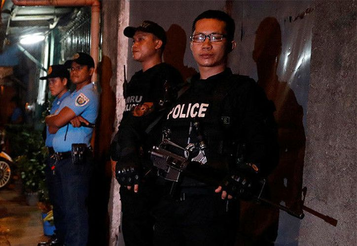 Un hombre armado y enmascarado abrió fuego contra turistas desde la segunda planta del complejo ubicado en la ciudad de Pásay. (RT)