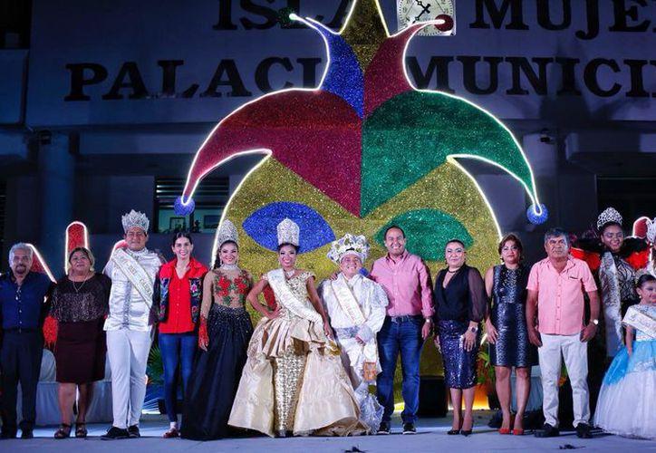 Hoy se llevó a cabo el Paseo de Carnaval. (Redacción/SIPSE)