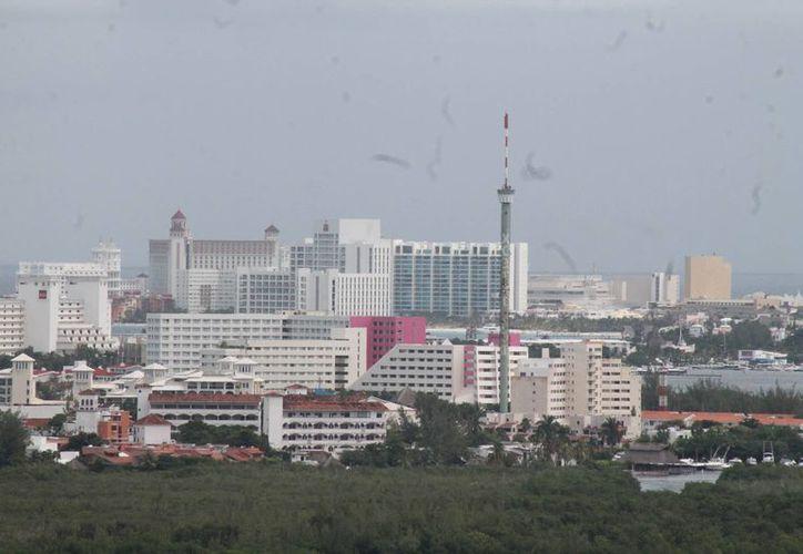 Oficialmente existen 30 mil 667 cuartos en la zona hotelera. (Israel Leal/SIPSE)