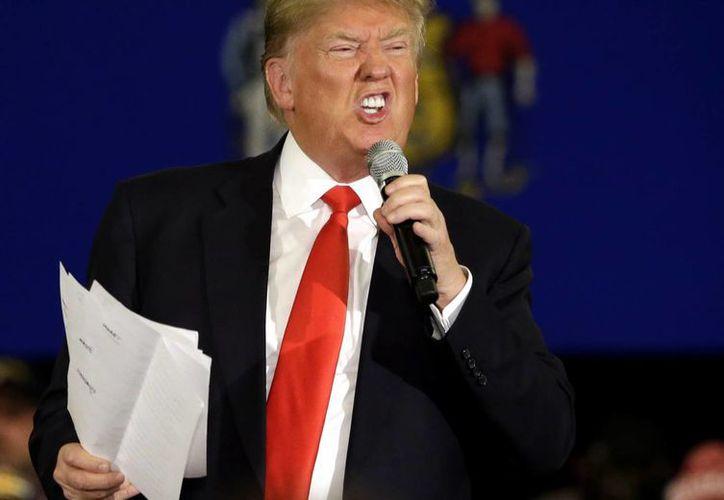 Las polémicas declaraciones de Donald Trump a lo largo de su campaña electoral ha causado preocupación a sus seguidores. (Agencias)
