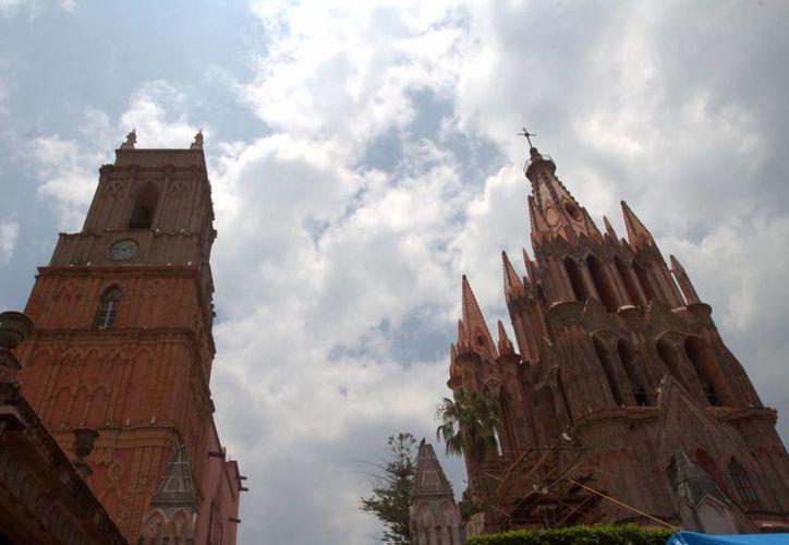 En San Miguel de Allende, Guanajuato, los viajeros disfrutan de su arquitectura colonial y un clima inmejorable durante el año. (Archivo/Notimex)