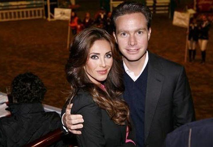 Anahí con su novio Manuel Velasco, gobernador de Chiapas. (segundoasegundo.com)