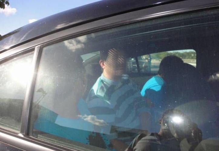Cinco integrantes de una banda de clonadores de tarjetas de crédito fueron arrestados en un cajero automático al norte de Mérida, en el fraccionamiento Montebello. (Foto de contexto de Milenio Novedades)