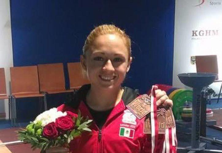 La joven atleta es la primera mujer mexicana en obtener preseas del orbe. (Archivo/SIPSE)