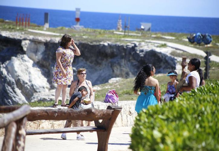La ínsula ofrece a los visitantes varias actividades. (Israel Leal/SIPSE)