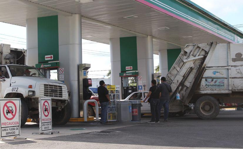 Empresas estadounidenses se han apoderado de una tercera parte del negocio de la venta de gasolinas. (Daniel Tejada/SIPSE)
