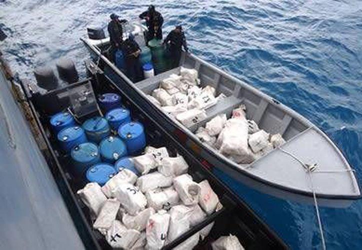 Los cuatro tripulantes de la embarcación, todos ecuatorianos, fueron acusados de tráfico de estupefacientes. (sanandreshoy.com)