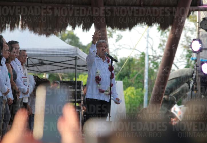 El presidente electo dio un mensaje a los cancunenses. (Harold Alcocer/SIPSE)