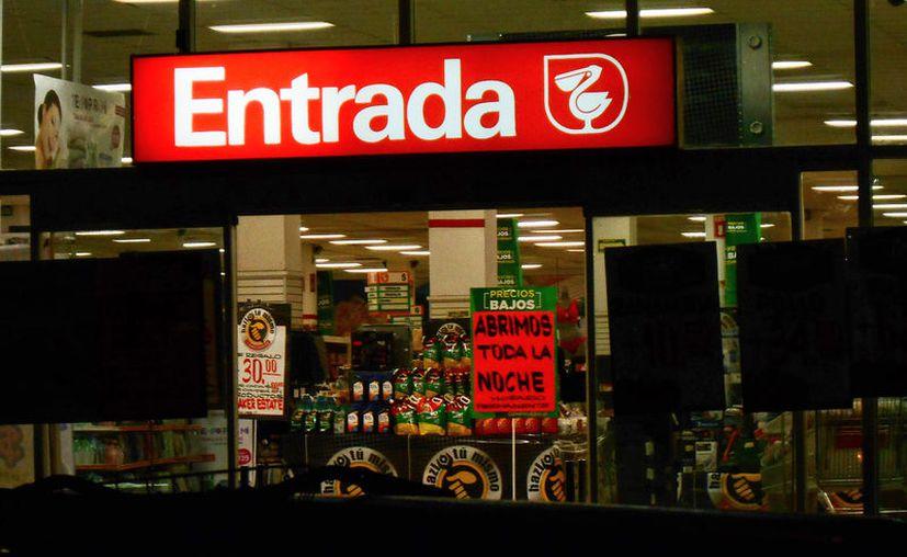 Por primera vez en Mérida, una cadena de supermercados extendió 24 horas el horario de apertura de una de sus tiendas. (Eduardo Vargas/SIPSE)
