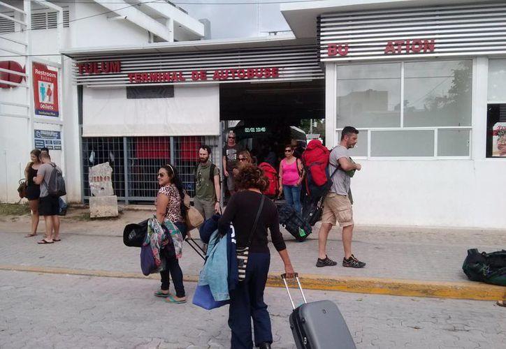 La demanda de viajes hacia otros Estados del país aumentó durante estos días. (Rossy López/SIPSE)