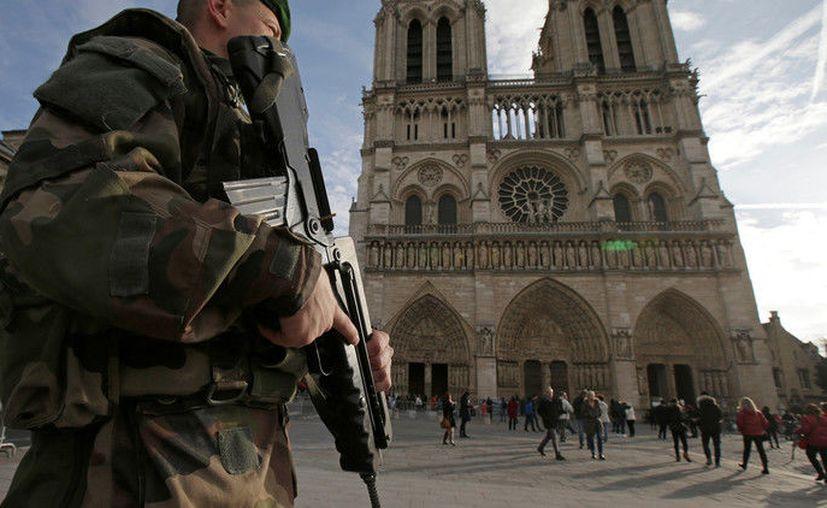 La Catedral de Notre Dame es uno de los lugares más visitados de París, atrayendo cada año a unos 13,6 millones de turistas. (RT)