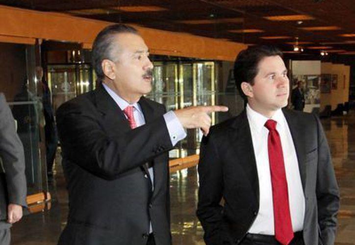 Es indispensable reconocer y capacitar a profesionales de salud, además de los médicos, considerando que es insuficiente la cobertura en ese rubro a nivel nacional, indicó el diputado Sahuí Rivero (d). (Cortesía)