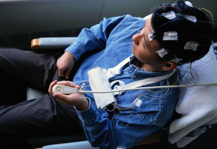 La epilepsia refractaria se presenta cuando las crisis epilépticas son tan frecuentes que limitan la habilidad del paciente para vivir plenamente. (Internet)