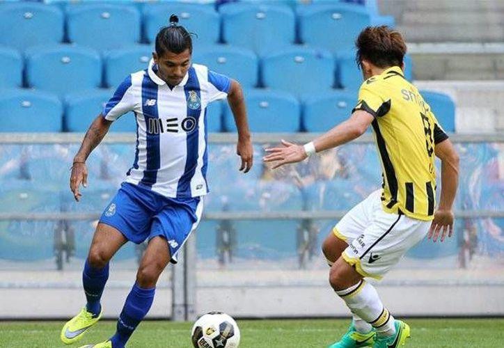 Jesús Corona fue el encargado de empatar el partido en el segundo tiempo del  amistoso disputado en Holanda.(Foto tomada de @FCPorto)