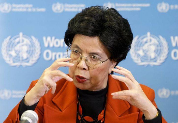 Margaret Chan, directora general de la Organización Mundial de la Salud, informa a los medios durante una conferencia de prensa tras una reunión sobre el virus del zika en Ginebra, Suiza. (Agencias)
