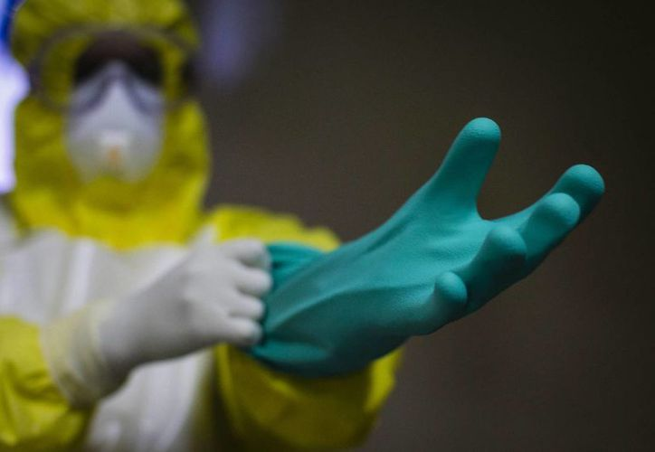 Países como Estados Unidos, Canadá, Suiza y Reino Unido, entre otros, han desarrollado tecnología que permite reducir las víctimas mortales del ébola. (Archivo/EFE)