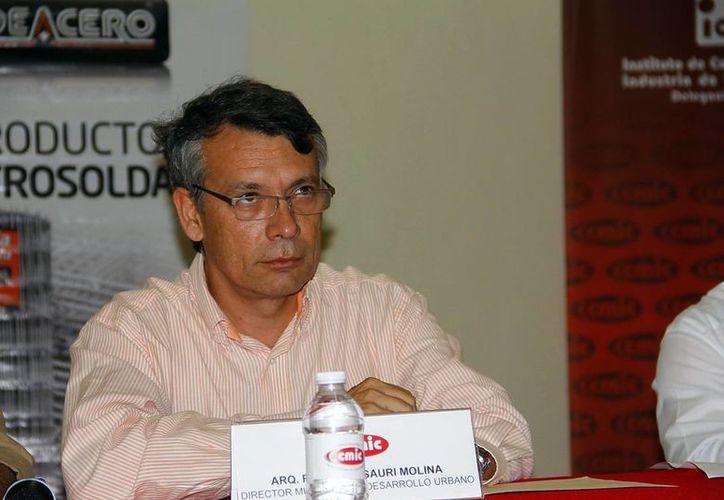 Sauri Molina, informó que en marzo se iniciará un análisis para actualizar el Reglamento de Construcción y Desarrollos Inmobiliarios. (Juan Albornoz/SIPSE)