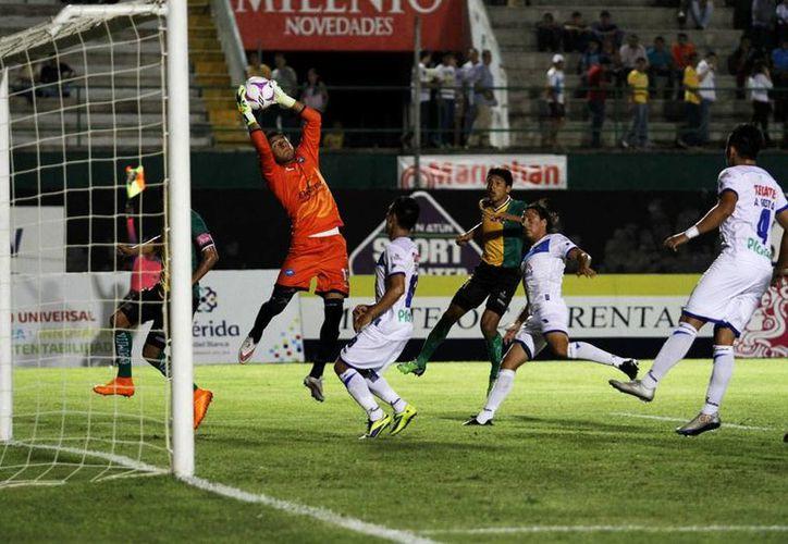 Venados de Yucatán no encontró muchas oportunidades de anotar ante Toros Celaya; finalmenta, cayó 1-0 como local. (César González/SIPSE)