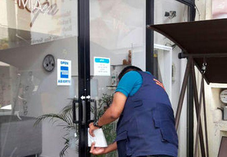 Al menos dos empresas reportaron la presencia de los supuestos inspectores. (Octavio Martínez/SIPSE)