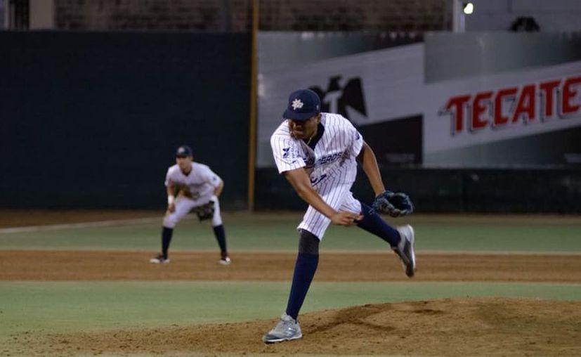 El lanzador yucateco Héctor Ayuso Cachón. (Cortesía)