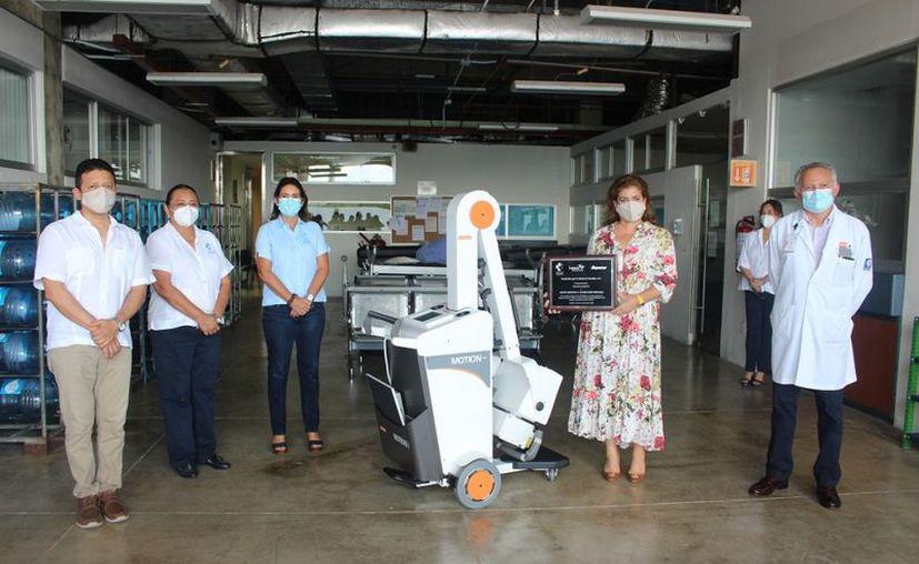 La entrega de este equipo portátil se realizó en las instalaciones del Hraepy. (Novedades Yucatán)