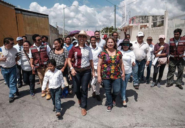 Este lunes, Marybel  visitó más colonias en Cancún, mientras que el martes se trasladará a José María Morelos. (Foto: Redacción)