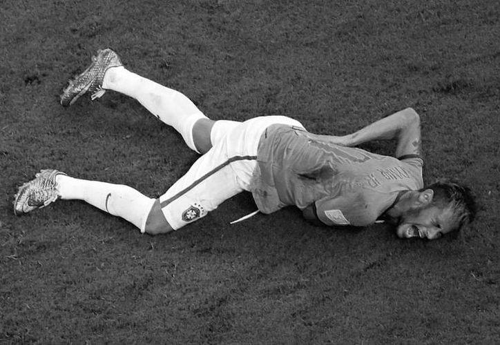 La delantera de Brasil se las verá negras ante Alemania sin su estrella. (Foto: AP)