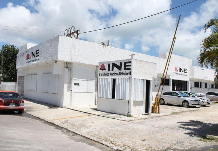El INE indica que ninguno de los tres ciudadanos de Q. Roo en busca de una candidatura independiente han dado a conocer sus ingresos y gastos. (Joel Zamora/SIPSE)