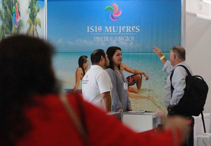 Promueven los destinos turísticos del estado a touroperadores. (Sergio Orozco/SIPSE)