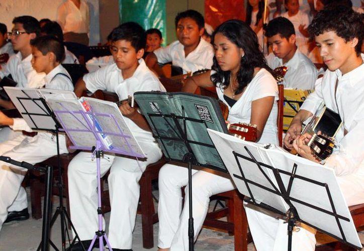 La OTI preserva la música tradicional yucateca. (Milenio Novedades)