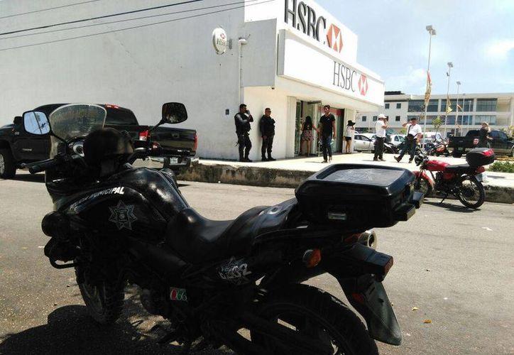 Una mujer fue asaltada por sujetos armados al salir de un banco del centro de Playa del Carmen; le quitaron $500 mil. (Redacción/SIPSE)