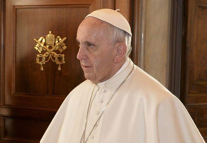 El libro 'El Papa ama a México' contiene también estadísticas y fragmentos de discursos de Su Santidad. (AP)