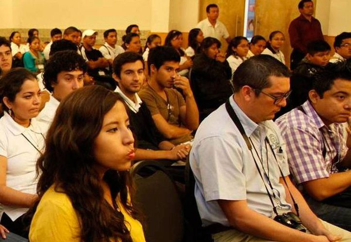 Según datos del Gobierno de Yucatán, de los 554 mil jóvenes que hay en el estado el 8.5 por ciento pretende poner una empresa. Imagen de contexto. (SIPSE)