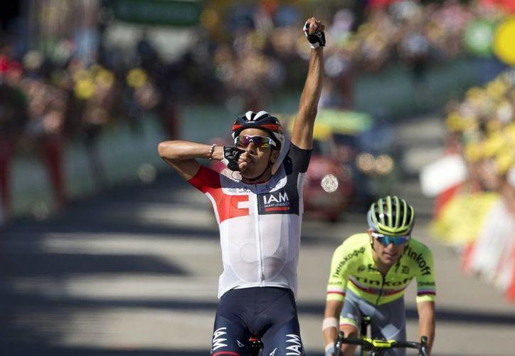 El ciclista colombiano Jarlinson Pantano ganó este domingo la etapa 15 del Tour de Francia. (AP)