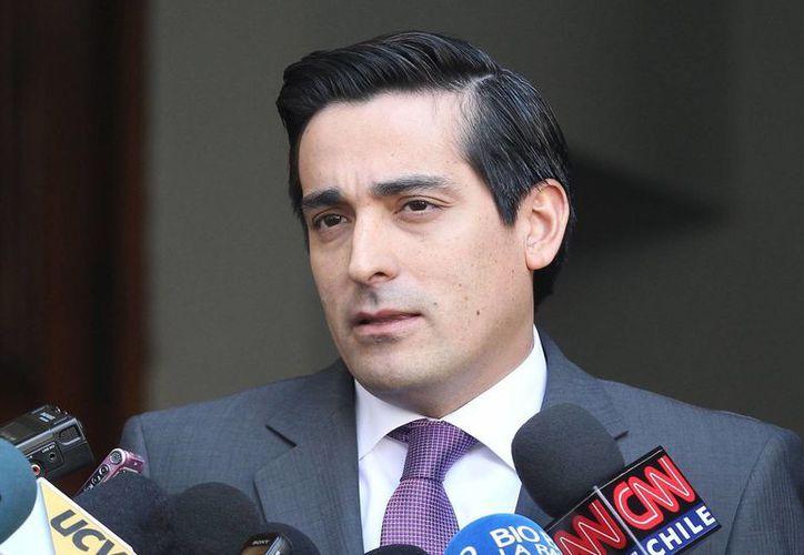 Rodrigo Peñailillo, ministro del Interior, no descarta que haya más involucrados en el atentado al Metro de Santiago. (emol.com)