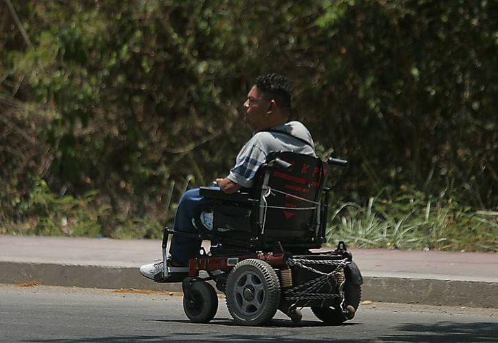 Las personas con discapacidad deben lidiar con el sentimiento de culpa por su padecimiento. (Harold Alcocer/SIPSE)