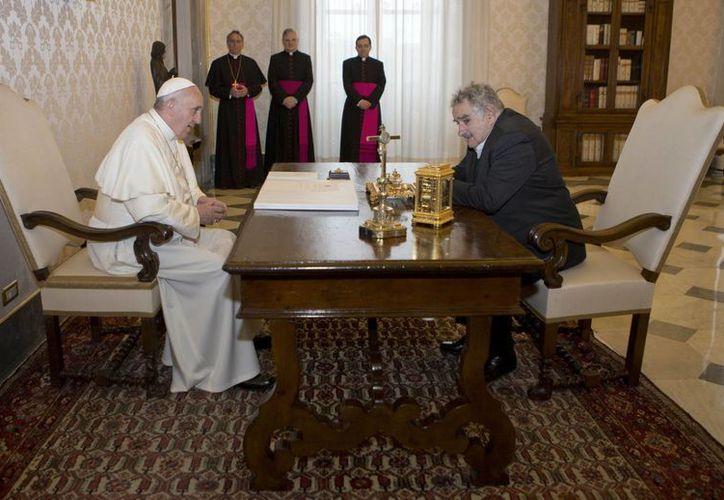 El Sumo Pontífice mantuvo el encuentro informal más largo desde que asumió el mandato de la Iglesia Católica. (Agencias)