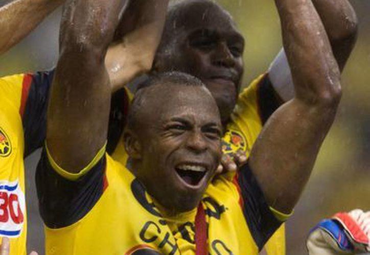 'Chucho' Benítez tuvo un brillante paso por el fútbol mexicano con el América y Santos. (Agencias)