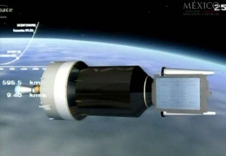 En la imagen, el satélite mexicano Bicentenario lanzado desde el centro espacial de Kourou, en la Guayana Francesa. (EFE/Archivo)