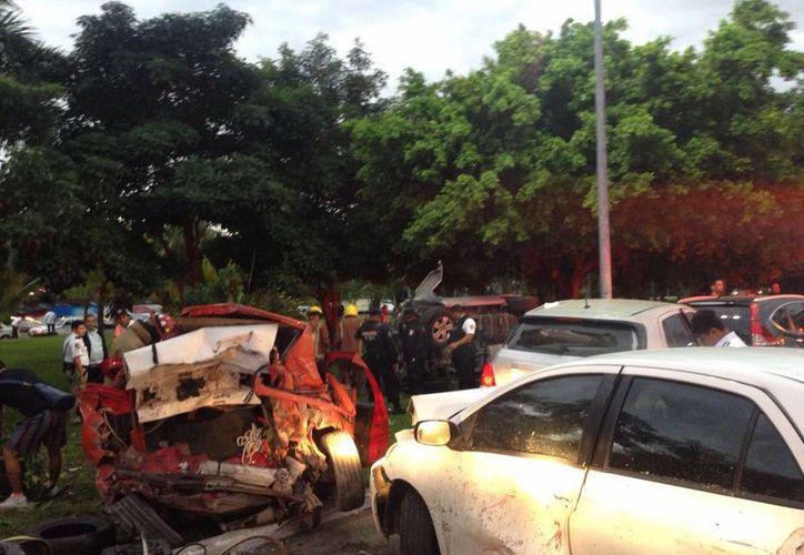 El joven que ocasionó el accidente pagó los daños que registraron los vehículos. (Eric Galindo/SIPSE)