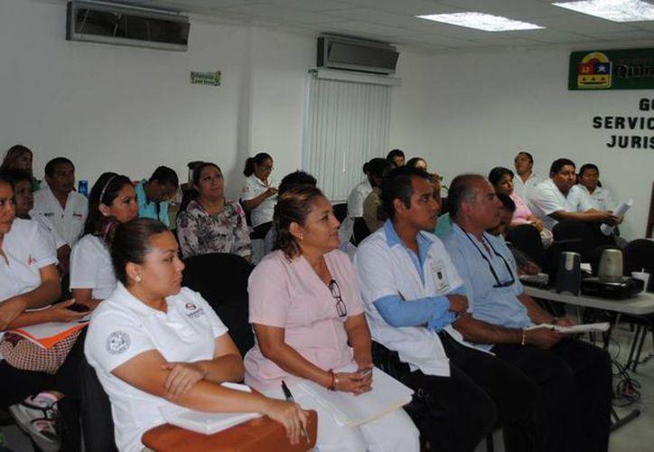 Se mencionó en el curso que el objetivo es promover grupos de adolescentes que sean agentes activos el cuidado de su salud. (Redacción/SIPSE)
