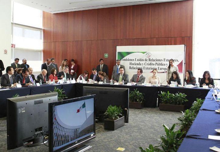Sesión de las comisiones unidas de Relaciones Exteriores, Hacienda y Crédito Público, y Relaciones Exteriores. (comunicacion.senado.gob.mx)