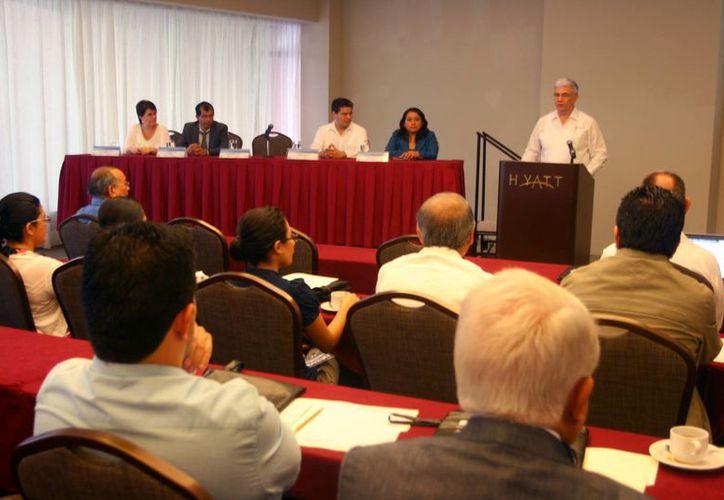El Secretario de Fomento Económico inauguró el VIII Congreso Iberoamericano de Innovación Tecnológica y Desarrollo de Nuevos Productos. (Milenio Novedades)