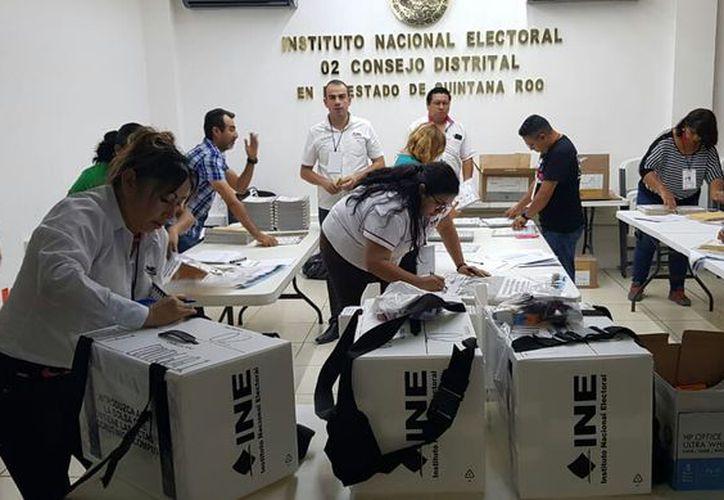 En el Distrito 02, con sede en Chetumal y que abarca cuatro demarcaciones, serán 498 casillas. (Joel Zamora/SIPSE)