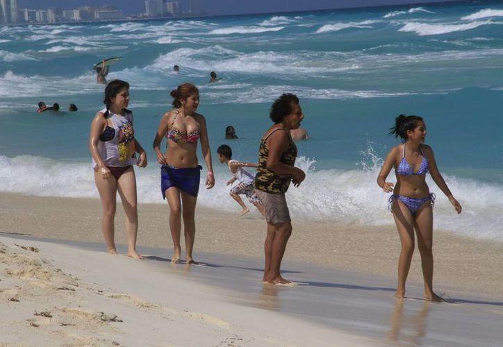 Las playas Delfines, Marlin, Tortugas, Langosta y Del Niño son las más concurridas. (Tomás Álvarez/SIPSE)