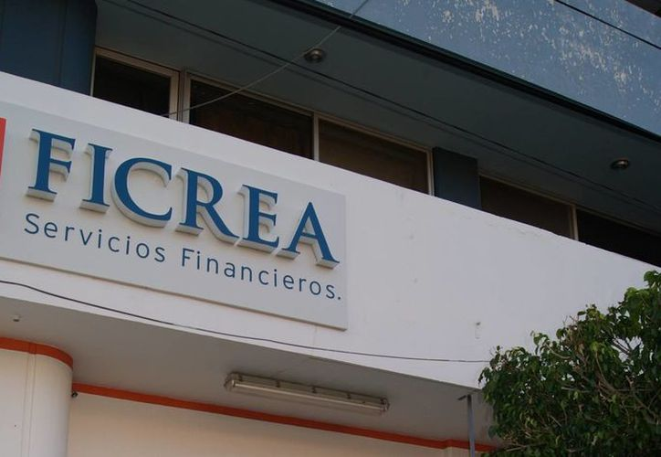La CNBV informó a los afectados por el caso Ficrea que nadie debe cobrarles 'honorarios por gestión'. (ubicalas.com)