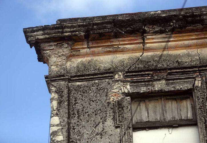 Algunas casonas del centro de Mérida están a punto del colapsar y representan un peligro latente. (Milenio Novedades)