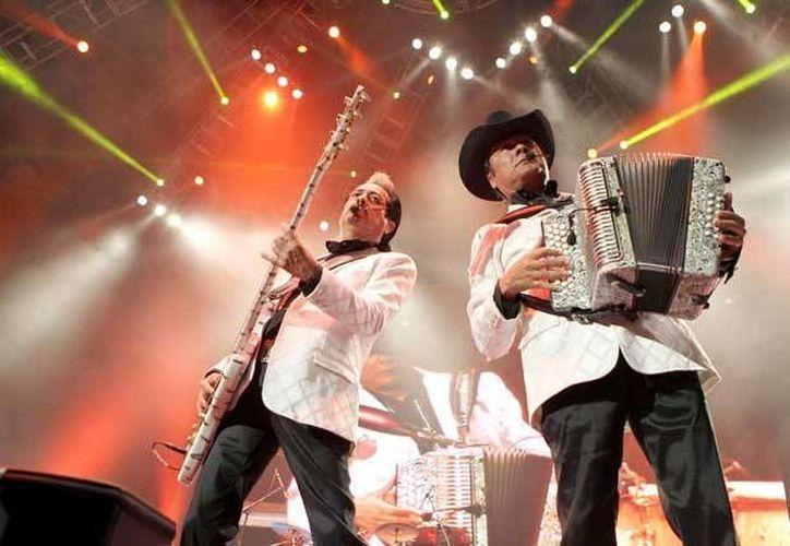 Los Tigres del Norte celebraron la fiesta de la Independencia de México, con un magno concierto en Los Ángeles, California.(Notimex)