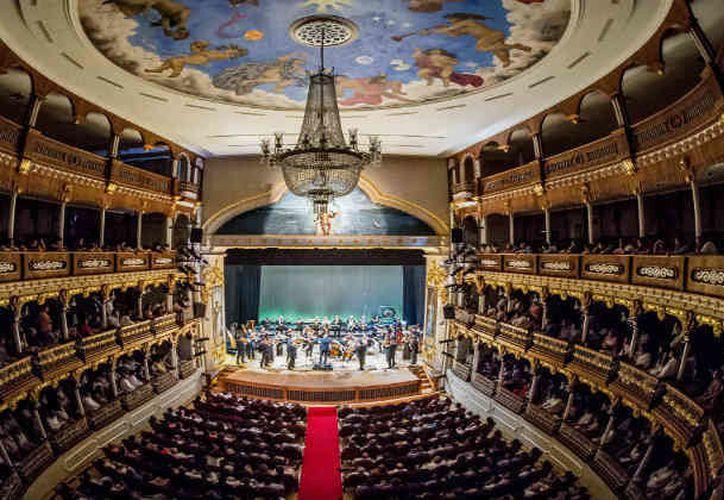 Teatro Adolfo Mejía, sede de festival. (Foto: Arcadia)