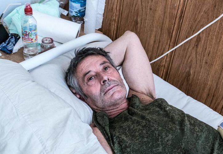 Eugeni, uno de los extranjeros que se unieron a la guerra en Ucrania, perdió la sensibilidad en los brazos y en las piernas debido a que padece el síndrome de Guillain-Barré. (Notimex)